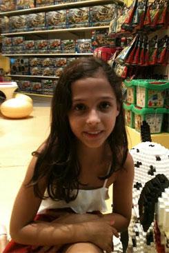 Letícia Costa diz que escreveu o livro para ajudar as outras crianças e famílias serem mais felizes. Foto: Arquivo Pessoal