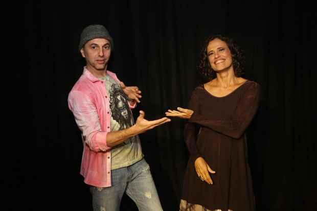 Zeca Baleiro e Zélia Duncan apresentam canções próprias e covers. Crédito: Dudu Leal/Divulgação
