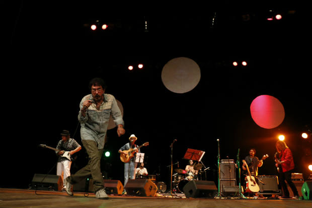 Ave Sangria lidera primeira noite da maratona Abril Pro Rock. Crédito: Rapha Oliveira/Esp. DP/D.A Press