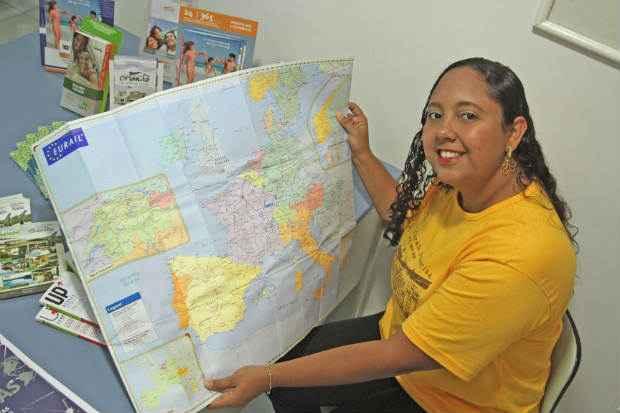 Teciene deixou a área administrativa depois de 11 anos para trabalhar com turismo. Foto: Nando Chiappetta/DP/ D. A Press