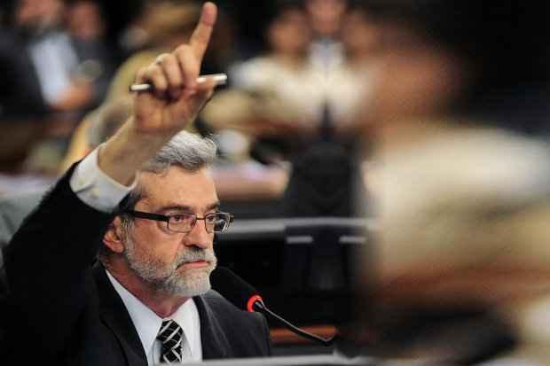 Antes de seguir carreira como parlamentar, Pedro foi secretário do governo Arraes. Foto: PedroEugênio.org.br/reprodução