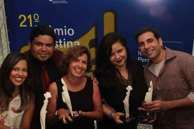 Alice, Ed, Teresa, Thatiana e Jarbas foram premiados em cerimônia na noite de ontem. Foto: Roberto Ramos/DP/D.A Press
