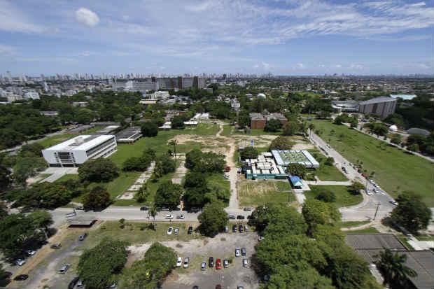Campus Recife da instituição reúne o maior número de eleitores. Foto: Blenda Souto Maior/DP/D.A.Press (Blenda Souto Maior/DP/D.A.Press)