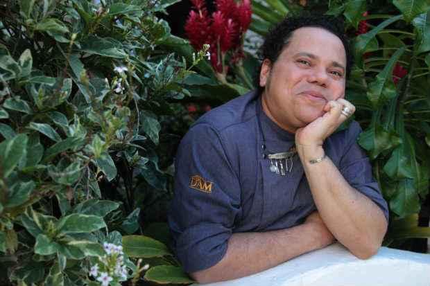 Além de entender de temperos - de sabor à aroma -, Chef Ricardo Leandro sabe quais são os melhores lugares para comprá-los. Foto: Roberto Ramos/DP/D.A Press