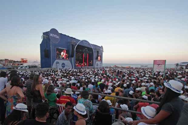 Segundo a organização do evento, cerca de 100 mil pessoas acompanharam o show. FOTO: Roberto Ramos/DP/DA Press