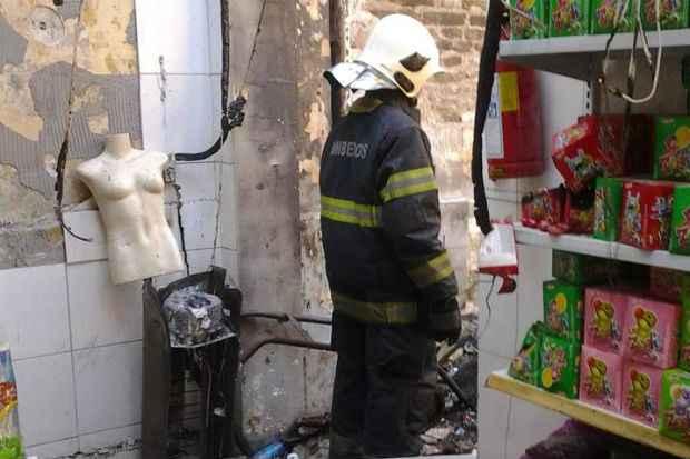 As chamas foram debeladas, evitando a propagação do fogo para outros estabelecimentos comerciais. Foto: Bombeiros/ Divulgação