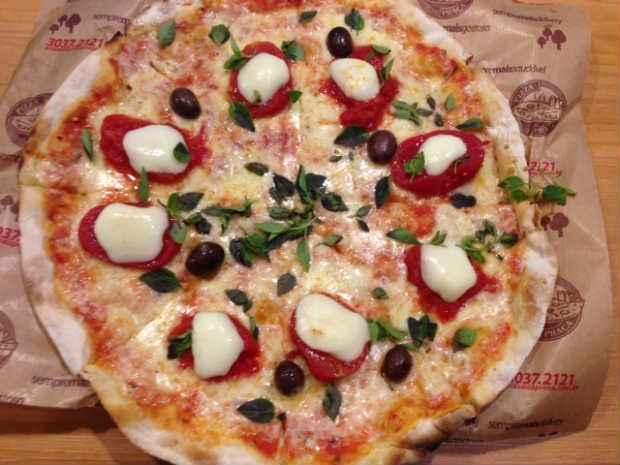 Variados sabores de pizzas na Pizza da Praça. Foto: Mirella Monteiro