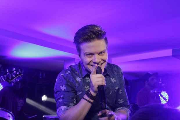 Michel Teló pode seguir carreira na TV como jurado do The Voice. Crédito: Divulgação