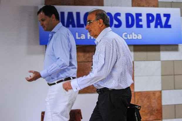O governo colombiano e a guerrilha comunista das Farc voltaram à mesa de negociações nesta terça-feira em Cuba para tentar avançar nos debates sobre a reparação às vítimas do conflito armado e a desminagem. Foto: Yamil Lage/AFP