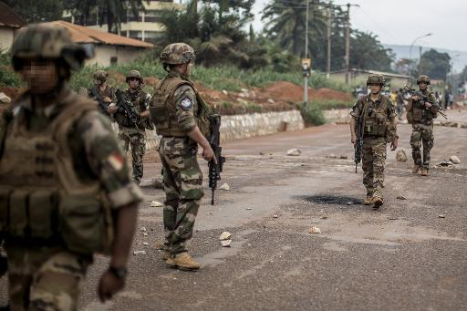 Soldados franceses são vistos em Bangui, República Centro-Africana. Foto: AFP/Arquivos MARCO LONGARI