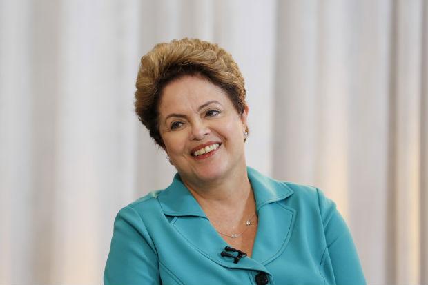 Além de enfatizar a valorização do salário mínimo, Dilma disse que, por meio da correção da tabela do imposto de renda, também enviada em março deste ano, o trabalhador terá seu