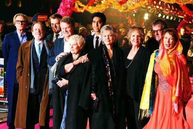 O diretor John Madden, de O Exótico Hotel Marigold 2 (na foto) e Shakespeare Apaixonado deve comparecer ao Cine PE. Foto: Divulgação