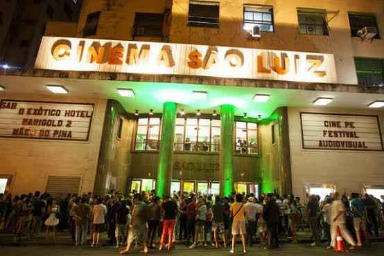 Ingressos acabaram cerca de uma hora antes do início do festival.  (Foto: Luiza Maia/DP/D.A. Press )