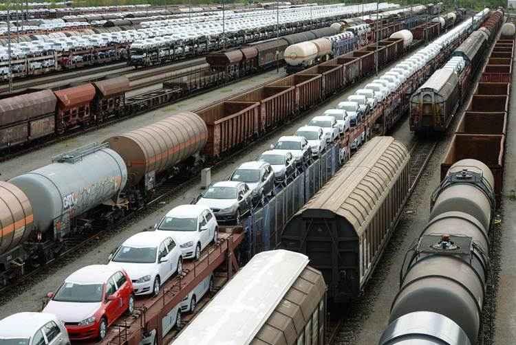 Os trens de carga parados em um depósito de mercadorias , em Munique , sul da Alemanha. Foto: AFP PHOTO