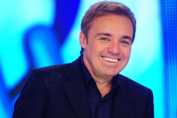 Programa do Gugu é exibido às 22h30 pela TV Clube/Record. Crédito: Record/Divulgação