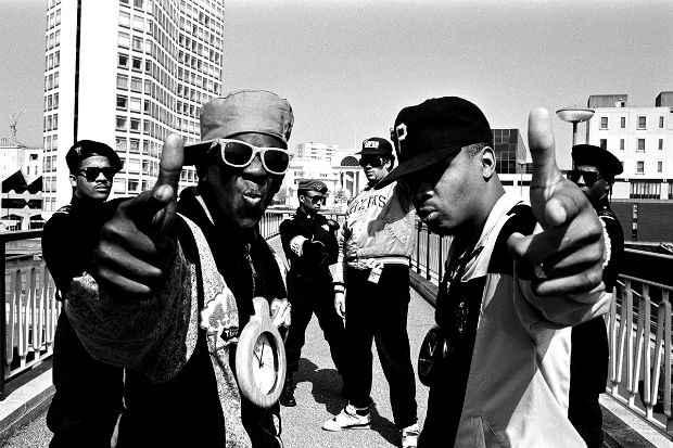 Estilo se popularizou no final dos anos 1980, com a fama de grupos como o Public Enemy. Crédito: Divulgação