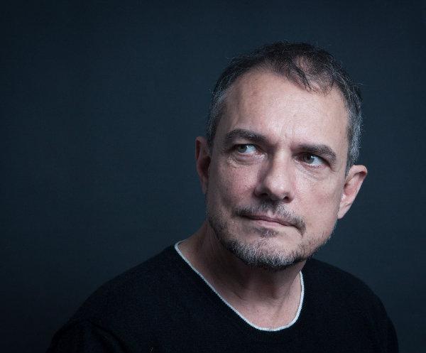 O diretor mora no Rio de Janeiro, mas acompanha a produção musical do estado natal. Foto: TV Globo/Divulgação (Foto: TV Globo/Divulgação)