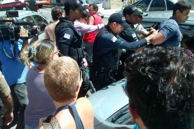Um homem foi detido por resistência. Segundo a polícia, ele teria se desentendido com um integrante do movimento e iniciado uma briga. Foto: Reprodução/ Facebook/ Direitos Urbanos