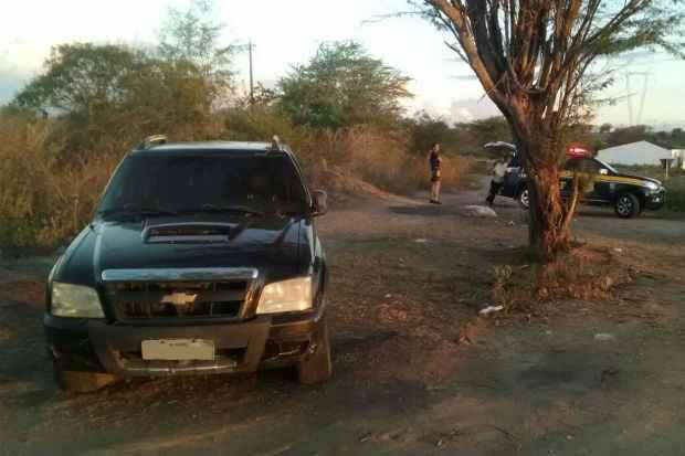 Motorista da caminhonete se recusou a parar e, ao longo de 20 quilômetros, cometeu diversas infrações. Foto: PF/ Divulgação