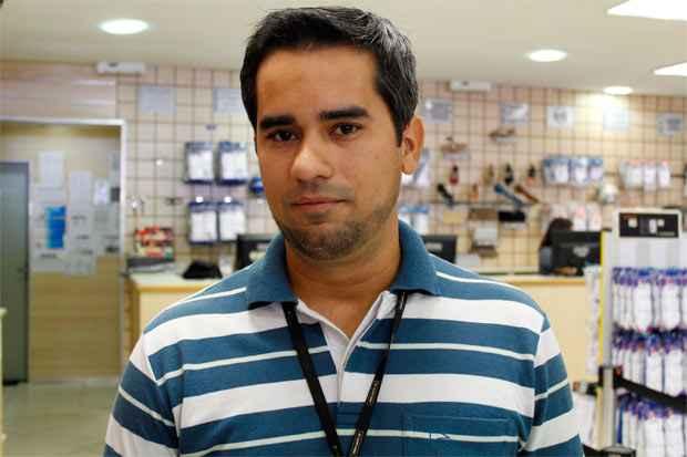 Gerente de loja, Tiago Moura já estava em casa quando foi surpreendido com a notícia dos saques: