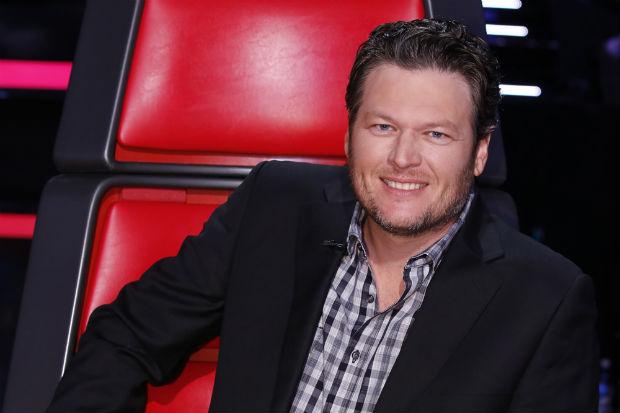 Blake Shelton divide tempo entre os palcos e a bancada de jurados do The Voice. Crédito: NBC/Divulgação