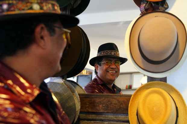 Cantor Maciel Melo vai garantir a festa dos moradores. Foto: Annaclarice Almeida/DP/D.A Press