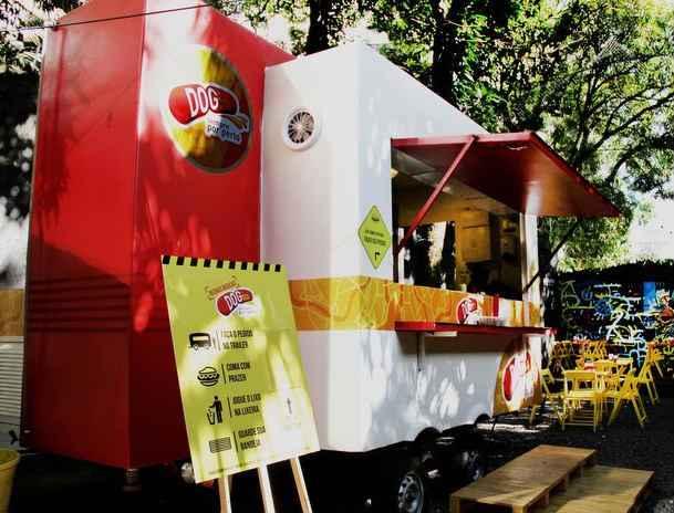 Food truck ficava no quintal de uma loja, em Casa Forte. Foto: Juliana Bandeira