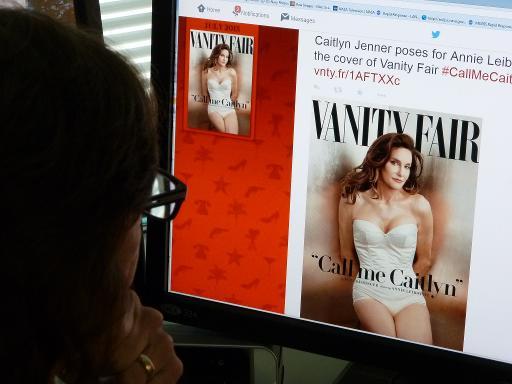 Caitlyn Jenner, conhecida como o ex-campeão olímpico Bruce Jenner até posar como mulher em uma impactante foto de capa da revista Vanity Fair, contará sua transição em um documentário do canal de celebridades E! que será exibido a partir do fim de julho. Foto: MLADEN ANTONOV/ AFP
