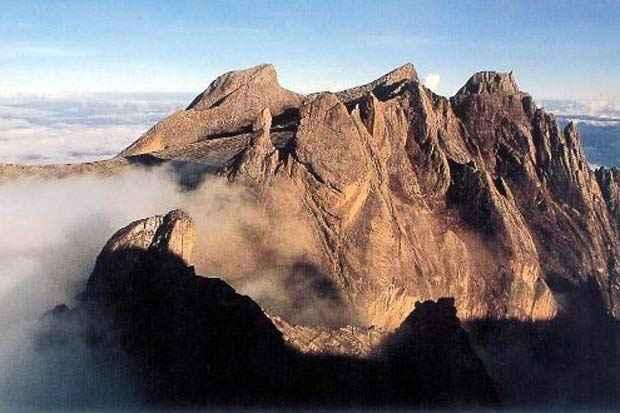 Vista do Monte Kinabalu, na parte malaia da ilha de Bornéu. Foto: AFP/Arquivo