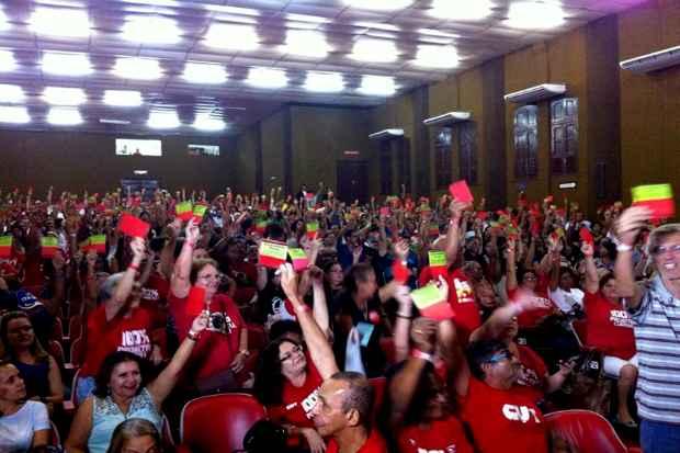 Professores participaram de votação que encerrou greve. Foto: Sintepe/Divulgação
