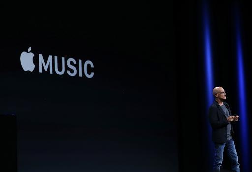 Jimmy Iovine, responsável da Apple, anuncia o serviço Apple Music, em São Francisco. Foto: Justin Sullivan/AFP
