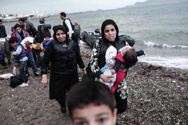 Imigrantes afegãos chegam à ilha grega de Kos. Foto:Angelos Tzortzinis/AFP