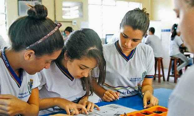 Investimento em novas políticas pedagógicas está entre as razões do sucesso do modelo de educação do estado. Foto: Blenda Souto Maior/DP/D.A Press