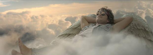 Vídeo é estrelado por Emílio Dantas, do musical