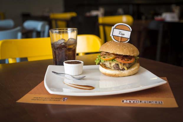 Além dos hambúrgueres, a casa contará com cardápio de pratos saudáveis. Foto: My Burguer/ Divulgação
