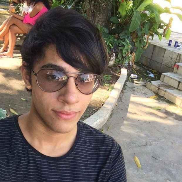Harlynton dos Santos tinha 20 anos e estudava biologia na UFRPE. Foto: Facebook/Reprodução