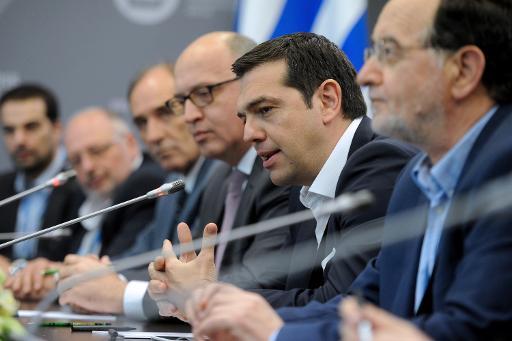 primeiro-ministro grego Alexis Tsipras (2º a partir da direita) em discurso durante evento na Rússia, em junho. Foto: Olga Maltseva/AFP
