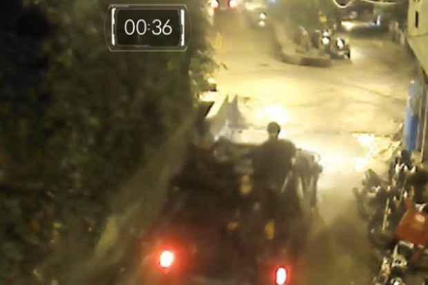Momento em que policiais do Bope deixam a UPP. Foto: TV Globo/Reprodução
