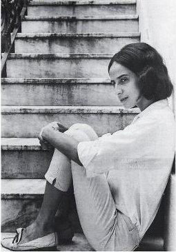 """Maria Bethânia começou a carreira aos 17 anos, no espetáculo """"Opinião"""", no Rio de Janeiro."""