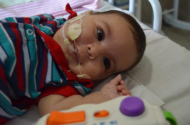 O garoto foi diagnosticado com atrofia muscular espinhal. Foto: Maria Eugenia Nunes/DP/D.A Press