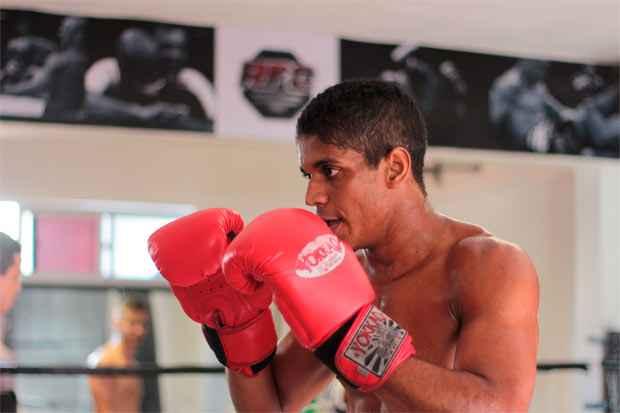 """José Arly chegou a integrar uma organizada, onde """"brigava muito"""", mas hoje está focado no Muay Thai e no curso de educação física. Foto:  Brenda Alcantara/Esp DP/D.A Pres"""