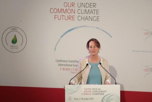 A ministra francesa do Meio Ambiente, Segolene Royal, palestra durante a conferência. FOTO: Jacques Demarthon/AFP