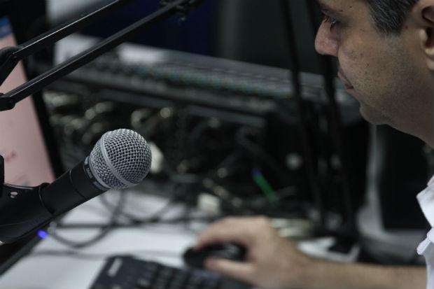 Gestores e funcionários caminham para um consenso em relação à programação da rádio. Foto: Júlio Jacobina/DP/DA Press