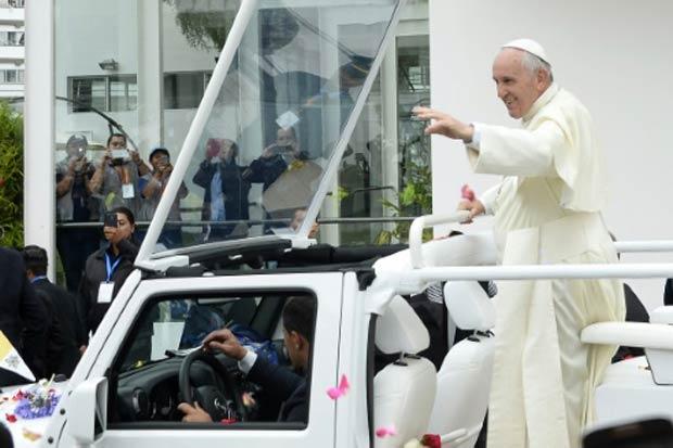 O papa Francisco é visto no