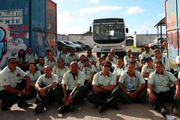 Motoristas, cobradores e fiscais de ônibus param as atividades por reajuste salarial e no tíquete de alimentação. Foto: Teresa Maia/DP/D.A Press/Arquivo