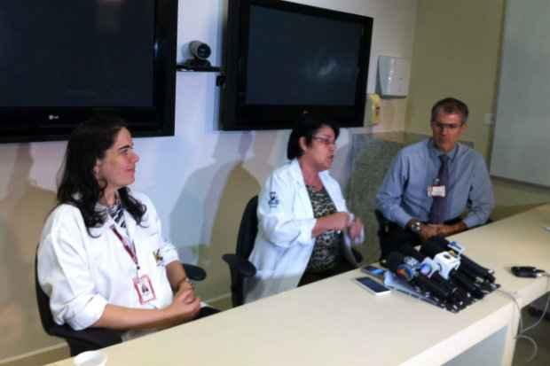 Médicos do HC avaliaram nesta manhã o estado de saúde do paciente paraibano que tem mais de 400 quilos e está internado no hospital. Foto: Thais Arruda/Esp DP/D.A.Press