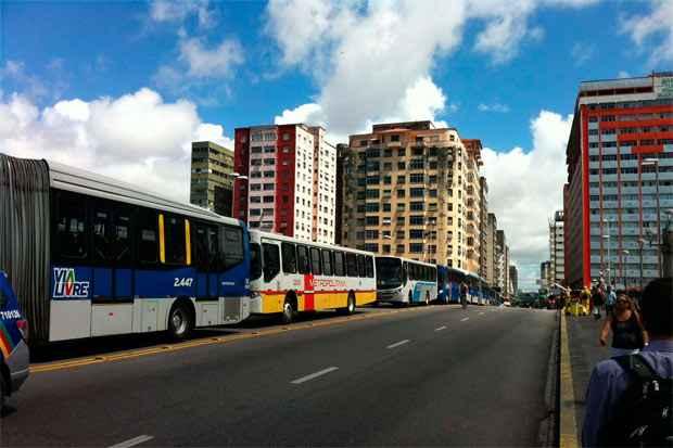 Há poucos dias, sem utilizar sede fixa, reuniões, carro de som ou panfletos, Aldo liderou uma  mobilização-relâmpago travou o trânsito no Recife. Foto: Joao Vitor Pascoal/Esp.DP/D.A Pr