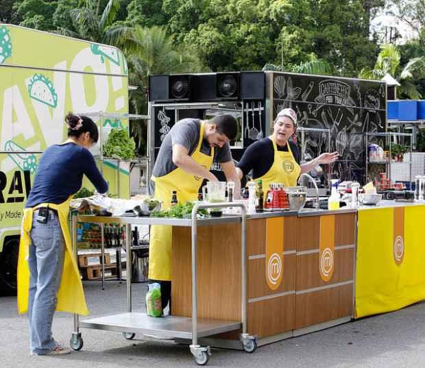 Jiang, Raul e Izabel formam o time amarelo na prova ao ar livre