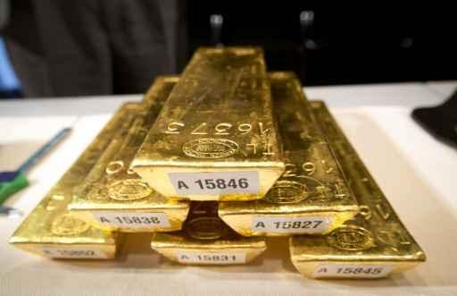 O ouro alcançou nesta segunda-feira seu nível mais baixo em cinco anos e meio durante os intercâmbios na Ásia, arrastado pelas vendas em massa do metal na China. Foto: Frank Rumpenhorst/AFP