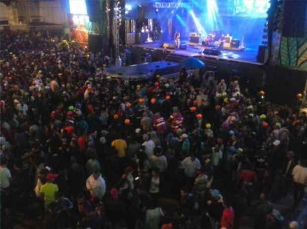 Tiro foi disparado durante show da banda Devotos. Foto: TV Clube/Record/Reprodução